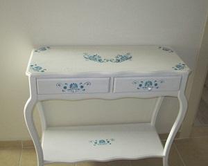 Надомна работа за рециклиране: реставриране на стари мебели