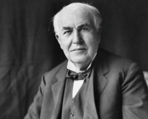 Томас Алва Едисон и електрическата крушка