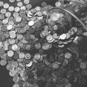 Държавни компенсации за всички засегнати сектори заради кризата искат от Съюза за стопанска инициатива