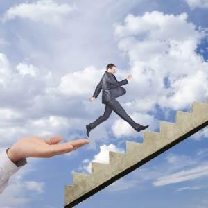 Добри практики: Как L-S Electro Galvanizing успява да мотивира служителите си?